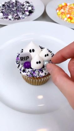Halloween Baking, Halloween Desserts, Halloween Cupcakes, Birthday Cupcakes, Holiday Desserts, Holiday Treats, Halloween Treats, Fun Cupcakes, Cute Halloween