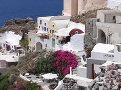 Santorini island, Greece ~ photo by Stacy Cashman Places Around The World, Oh The Places You'll Go, Places To Travel, Places To Visit, Around The Worlds, Santorini House, Santorini Island, Santorini Greece, Vacation Destinations