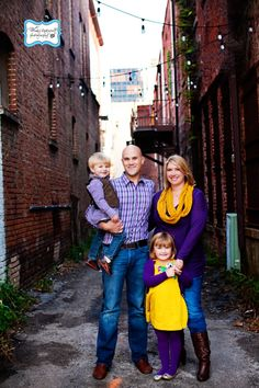 Wendy Updegraff Photography: Family Photography - love the urban feel.