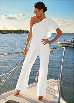 Alternate view One Shoulder Jumpsuit Formal Jumpsuit, Wedding Jumpsuit, Shoulder Off, Estilo Casual Chic, Look Fashion, Fashion Outfits, Womens Fashion, One Shoulder Jumpsuit, One Shoulder White Dress