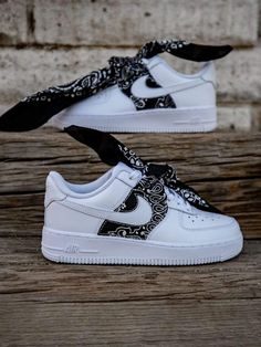 Cute Nike Shoes, Cute Nikes, Cute Sneakers, Nike Air Shoes, Shoes Cool, Black Shoes Sneakers, Converse Shoes, Sneakers Nike, Sneakers Fashion Outfits