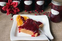 The flavor in this jam has a nice contrast of sweet and tart, and the strawberries blend well with cranberries. This recipe could be a nice gift for Christmas. Jelly Recipes, Jam Recipes, Canning Recipes, Holiday Recipes, Christmas Recipes, Christmas Cooking, Canning 101, Holiday Foods, Holiday Crafts