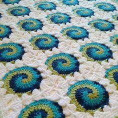 Swirl-3 Baby Blanket Featuered on CrochetSquare.com                                                                                                                                                                                 Mais