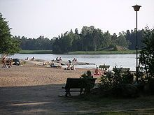 Kivinokka is one of my favourite beaches in Helsinki. It's quite small, but it's in the middle of a lush cottage are with vegetable plots and a tiny café. On the other side, you can see the city of Helsinki growing.