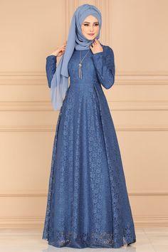 Muslim Fashion, Hijab Fashion, Fashion Outfits, Hijab Turkish, Hijab Style Dress, Stylish Hijab, Beautiful Muslim Women, Dress Sewing Patterns, Types Of Dresses