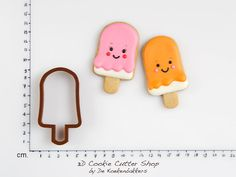 SIZE  1 cm. = 0,4 inch    MATERIAL  Our cookie cutters are made from food save PLA plastic and printed with a 3D printer. PLA (polylactide) is
