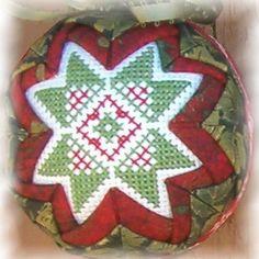 Folded Star Ornaments - Folded Star Ornaments Quilted Christmas Ornaments, Crochet Christmas, Christmas Cross, Christmas Balls, Christmas Diy, Star Ornament, Ball Ornaments, Folded Fabric Ornaments, Fabric Balls