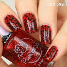 Charming nails by @gio_nails on instagram as she was using MM53 from Messy Mansion's MM Series Plates Collection.