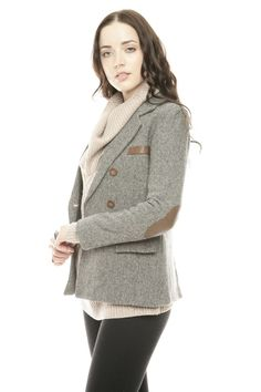 Herringbone blazer with leather elbow patches. I love elbow patches! Preppy Outfits, Cute Outfits, Preppy Clothes, Summer Clothes, Horse Riding Jackets, Cute Coats, Cool Jackets, Sweater Weather, Dress To Impress