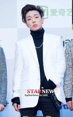 #iKON #BOBBY #김지원 #KING_JIWON Seoul Music Awards 2016, Bobby, Kim Jinhwan, Ikon Kpop, Ikon Debut, Pop Bands, Yg Entertainment, K Idols