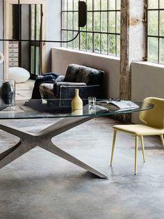 Неподвижный стол с основанием Baydur® или матовым бетоном, также доступен в двухцветной версии. Верх из стекла, хрусталя или твердой древесины. #итальянскаямебель #мебель #дизайн #дизайнинтерьера #интерьер #architecture #bauartdesign #bauartspb #designspb #spb #купитьмебель #мебельиталии #мебельназаказ #итальянскийдизайн #распродажамебели #arredolusso #представитель_фабрик #мебельизиталии #артмобили #artmobili #представительство #итальянскаякухня #спальня #антикварнаямебель #винтаж…