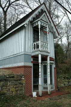 Narrow home, Eureka Springs, AR