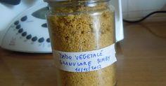 Ingredienti: 2 coste di sedano 2 carote 1 cipolla 3 pomodorini 1 zucchina 1 spicchio d'aglio 1 foglia d'alloro 1 ci...