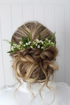 Rustic Vintage Updo Wedding Hairstyle with Flowers and Braid in Medium Length for Short Hair 2019 Spring or Summer DIY Country Wedding Headpiece Ideas Wedding Hairstyles For Long Hair, Wedding Hair And Makeup, Wedding Updo, Wedding Beauty, Bride Hairstyles, Pretty Hairstyles, Hairstyles 2016, Dream Wedding, Updo Hairstyle