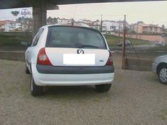 Renault Clio branca Marca: Renaul Modelo: clio Cor :branca Cilindrada : 1500 Ano: 2005 Combustivel :gasoleo Mes :9 klm :212000 Piso dos pneus : Médio