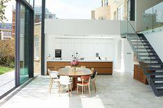Reforma de antigua vivienda en Windsor en una moderna del siglo XXI
