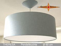 Loungeleuchte THERESA, D 60 cm, mit Diffusor und Baldachin aus lichtgrauem, hellen Leinen.