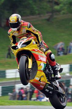 Tommy Hill Yamaha R1, Street Bikes, Road Bikes, Velentino Rossi, Ducati Hypermotard, Racing Motorcycles, Super Bikes, Road Racing, Bike Life