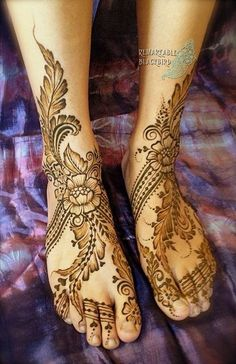 Beautiful leg henna