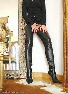 Thigh high boots : Photo