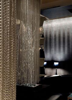 Interesting Chain Curtain Idea Above Lights