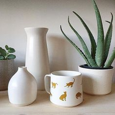 here's the purrfect mug the cat lovers out there! - @RealEstateHoney (Instagram) Handmade Home, Cat Lovers, Planter Pots, Vase, Photo And Video, Mugs, Diy, Instagram, Videos