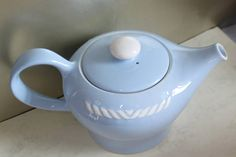 Figgio Flint Teapot Sissel White and Blue Nordic Design. Ragnar, Nordic Design, Mid Century Modern Design, Teapots, Norway, Mid-century Modern, Scandinavian, I Shop, Blue And White