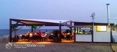 Chiringuito Casablanca, ubicado en la playa de Pozo del Esparto, Almería. Construcción modular desmontable de temporada diseño, fabricación y montaje www.navarrolivier.com