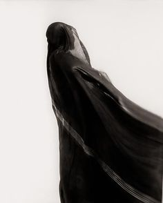 Jinn Tuareg woman the Sahara Desert Mali - Elizabeth Sunday Monochrome Photography, Urban Photography, Minimalist Photography, Color Photography, White Photography, Straight Photography, Coaching, Apocalypse World, Henri Cartier Bresson
