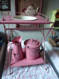 I love to have this Cocina Shabby Chic, Kitchen Containers, Wash Stand, Gift From Heaven, Vintage Enamelware, Antique Toys, Small World, French Vintage, Basin