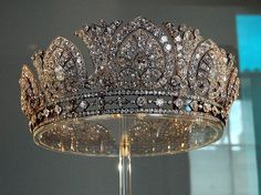 The Devonshire Diamond Tiara - 1893 when AE Skinner & Co made it for Louise, Duchess of Devonshire. Louise passed on the tiara to Evelyn, wife of the Duke of Devonshire, who then gave it to her daughter-in-law, Mary. It was last worn by her daughter Royal Crowns, Royal Tiaras, Crown Royal, Tiaras And Crowns, The Duchess Of Devonshire, Diamond Tiara, Family Jewels, Royal Jewelry, Circlet