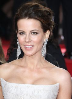 Kate Beckinsale Photos - The 69th Annual Golden Globe Awards took place at the Beverly Hilton Hotel in Beverly Hills, California on January 15, 2012. Pictured here on the red carpet is Kate Beckinsale - 69th Annual Golden Globe Awards 2012: Red Carpet Part 2
