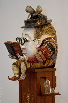 Humpty Dumpty reads a good book. May Tenth Jubilee, Professional annual exhibition of art dolls in Russia via Alexey Shaadorian Mashutikov (Moscow, Russia) Arte Robot, Chesire Cat, Drawn Art, Humpty Dumpty, Art Sculpture, Paperclay, Gourd Art, Oeuvre D'art, Toy Art