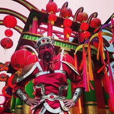 The Chinese New Year @Universal Orlando #universalmardigras stilt walker - @OntheGoinMCO .com- #webstagram