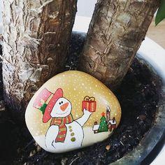 #tasboyama #tassanati #handmade #elyapimi #stoneart #stonepainting #stonedrawing #yeniyil #kardanadam #2017 #gift #merrychristmas #happynewyear
