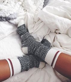 Cute winter accessories that every girl needs in her closet. These winter accessories are perfect for the cold weather and are super stylish! Calvin Klein Girl, Outfit Chic, Cozy Socks, Knit Socks, Fluffy Socks, Red Socks, Black Socks, Winter Accessories, Mode Style