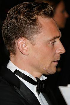 Tom Hiddleston attends the BFI Luminous Fundraising Gala at The Guildhall on October 6, 2015 in London, England. Full size image [UHQ]: http://ww4.sinaimg.cn/large/6e14d388gw1ewskjng8wzj21kw2dc7nk.jpg Source: Torrilla, Weibo