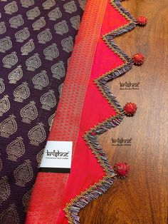 Latest Saree Kuchu/Tassel Designs to Beautify Your Saree Saree Tassels Designs, Saree Kuchu Designs, Sari Blouse Designs, Fancy Blouse Designs, Bridal Blouse Designs, Saree Border, Embroidery Saree, Handloom Saree, Fashion Fabric