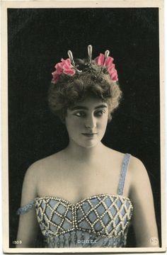 Vintage French RPPC Postcard Actress Stage Star Miss Dubel Reutlinger