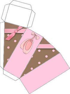 Tarta hecha de cajitas. Fiestas infantiles.   Ideas y material gratis para fiestas y celebraciones Oh My Fiesta!