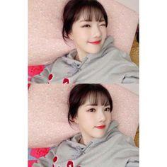 Kpop Girl Groups, Korean Girl Groups, Kpop Girls, Extended Play, Latest Music Videos, Entertainment, Girl Short Hair, Hair Girls, G Friend
