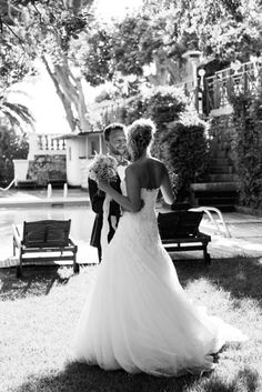 Mariage en bord de mer #mariageprovence #weddingphotography #studiobokehmariage #weddinginspiration #frenchwedding #likabanshoya