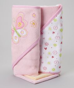 Splish splash, it's time for a bath. Featuring washcloths for cleanups and hooded towels for after cleaning up, this super-soft and absorbent set is Baby's best bath time companion.