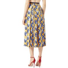 Gucci GG Wallpaper Silk Twill Pleated Skirt (6,140 PEN) ❤ liked on Polyvore featuring skirts, pattern pleated skirt, gucci skirt, pleated mid length skirts, knee length pleated skirt and gucci