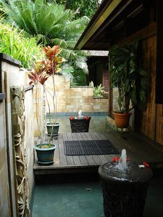 entryway fountains: Bali style!!