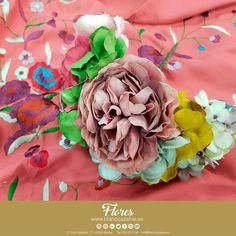 🌸😍Todos los colores en #BlancoAzahar para tu Ramillete de temporada. Llena de color tu #Fería, con nuestros #mantones y #ramilletes. ¿Qué colores serán tendencia para esta #feriadeabril2018 ?  #Sevilla #flores #floresflamenca #BlancoAzahar #ModaFlamenca Nosegay, Orange Blossom, Flamingo, Sevilla, Seasons, Colors