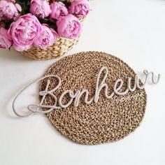 Prénom ou mot de 7 lettres réalisé au tricotin