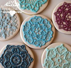 lace doily cookies