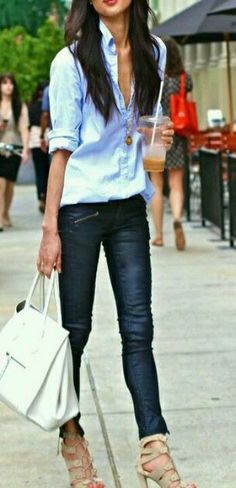 """Marissa Webb-love her style! """"grabbing coffee just before the rain in nyc. happy friday everyone! Passion For Fashion, Love Fashion, Fashion Outfits, Womens Fashion, Denim Fashion, Casual Chic, Casual Fridays, Casual Jeans, Top Mode"""