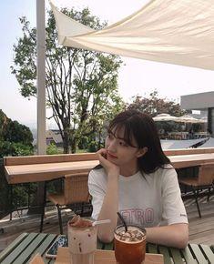 Kpop Girl Groups, Kpop Girls, Korean Picture, Cheng Xiao, Cosmic Girls, Aesthetic Girl, Ulzzang Girl, Korean Singer, Girl Crushes